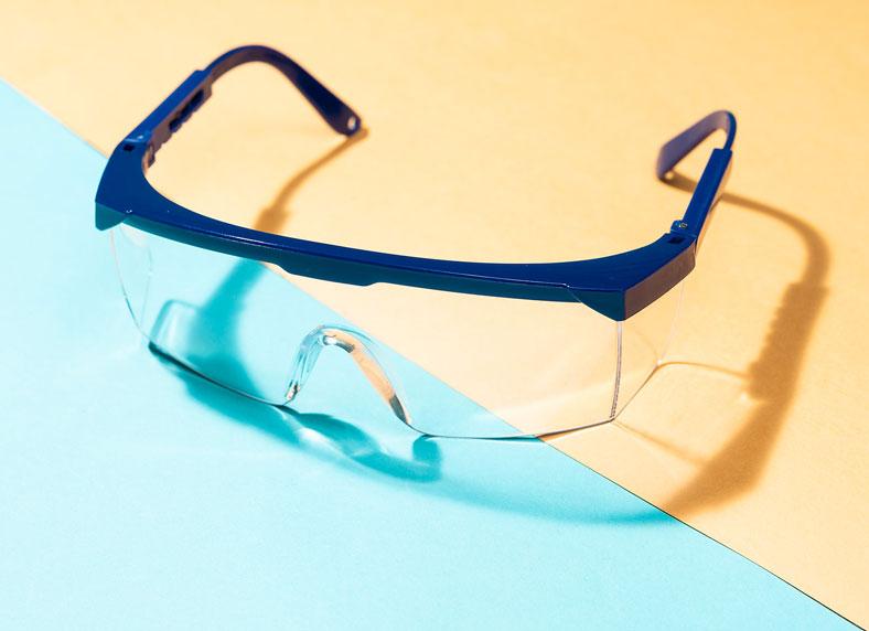 Das Foto zeigt eine Schutzbrille.