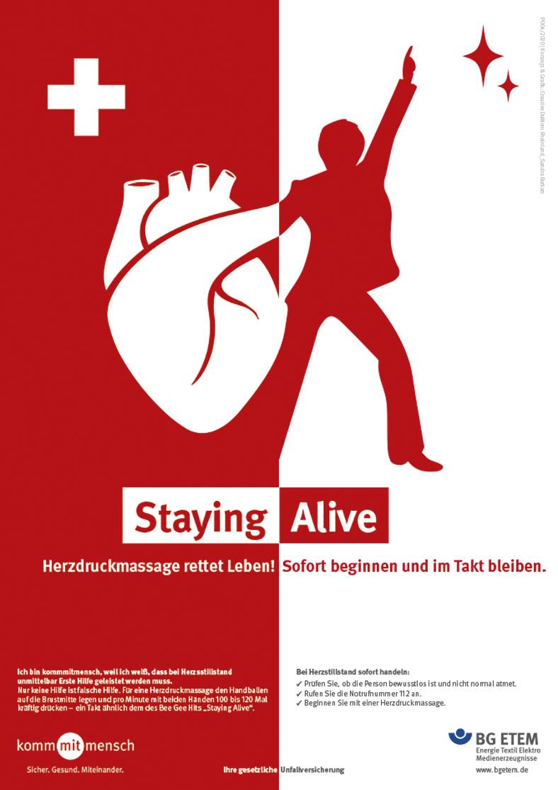 """P004 Die Abbildung zeigt ein Plakatmotiv der aktuellen Kampagne der BG ETEM. Auf der linken Seite ist ein Herz abgebildet. Auf der rechten Seite tanzt ein Mann und hebt den linken Arm nach oben. Das Thema """"Staying Alive"""". Herzdruckmassage rettet Leben! Sofort beginnen und im Takt bleiben. Bestell-Nr. P004/2020"""