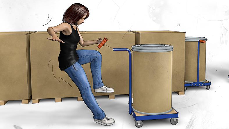 Die Grafik zeigt in der Mitte des Bildes eine junge Frau in schwarzem Trägershirt und blauer Jeanshose. Sie hat ein Bein angewinkelt und kippt nach hinten. In der Hand hält sie den abgebrochenen roten Griff eines Handwagens, auf dem ein zylindrischer Behälter steht. Im Hintergrund stehen Holzpaletten mit großen braunen Kisten.