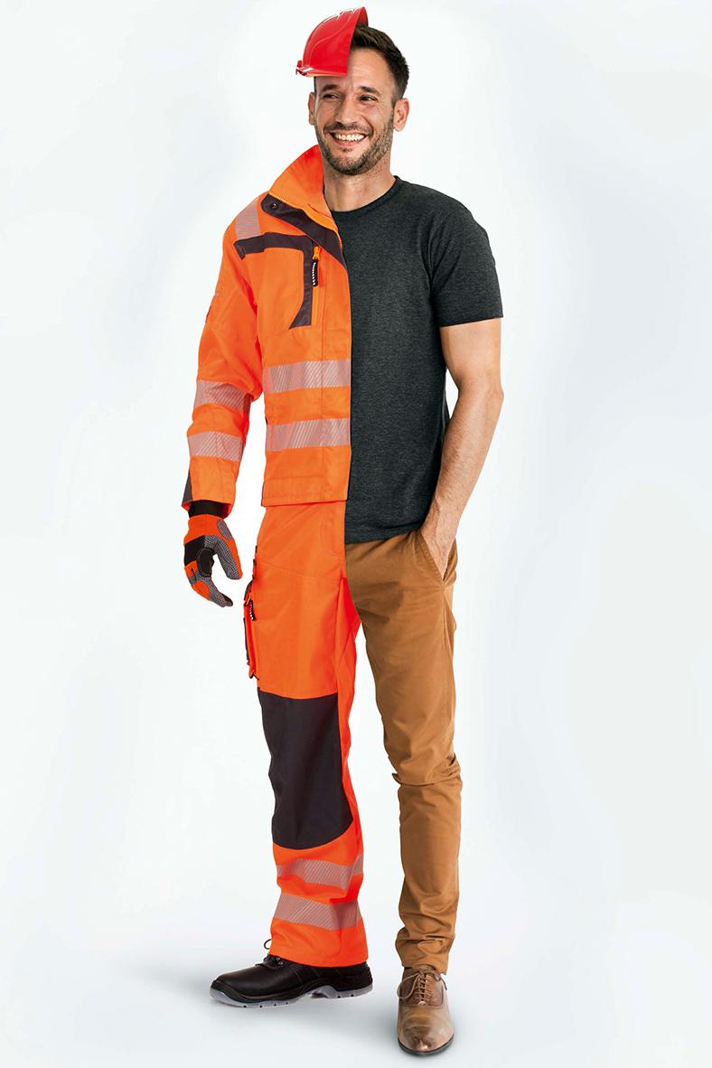 Ganzkörperansicht eines Arbeitnehmers, auf der linken Seite ist er bekleidet mit Persönlicher Schutzausrüstung: Helm, Handschuhe, orange Schutzkleidung und Sicherheitsschuhe; auf der rechten Seite trägt er ein graues T-Shirt und eine helle Hose mit normalen Halbschuhen.