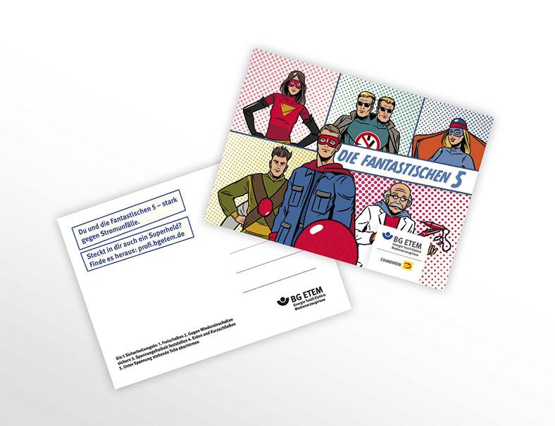 Zwei Postkarten liegen übereinander, einmal sieht man die weiße Rückseite, einmal die Motive der Fantastischen 5 Sicherheitshelden.